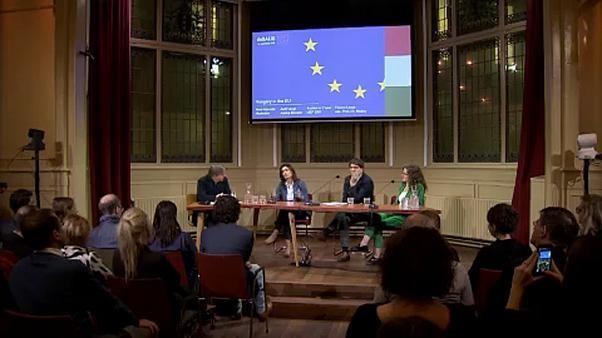 Ungarische Ministerin stellt sich Polit-Ringkampf in Amsterdam