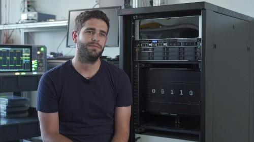 Pourquoi avons-nous tant besoin des nombres aléatoires ? Nous posons la question au jeune PDG d'une entreprise espagnole impliqué dans un projet de recherche sur les technologies quantiques très prometteuses pour l'informatique et la protection des données.