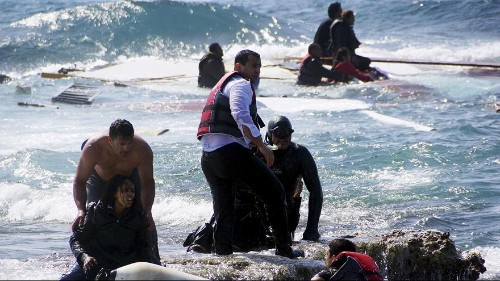 Flüchtlingsboot vor Rhodos zerschellt