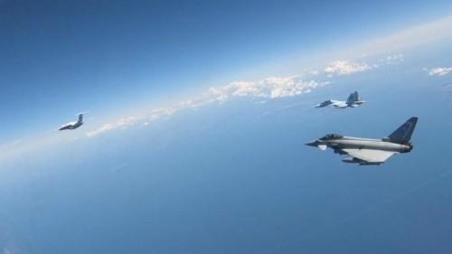 Eurofighter fangen russische Militärflugzeuge im Baltikum ab
