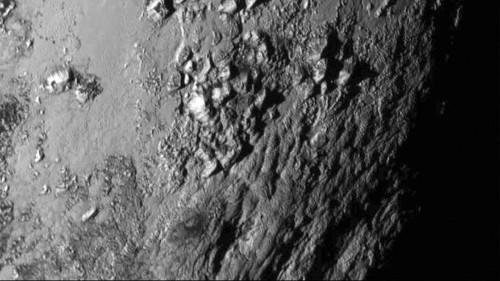 Plüton'un en net fotoğrafında buzdan dağlar keşfedildi
