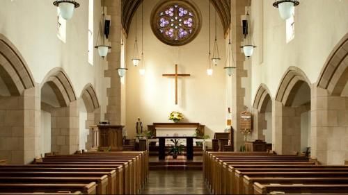 پنجاه و یک درصد از مردم آمریکا موافق تقویت جایگاه دین در جامعه هستند