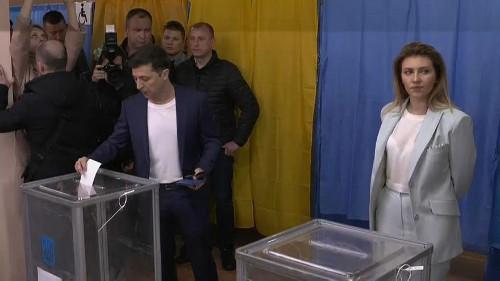 Ukraine presidential election: voting underway