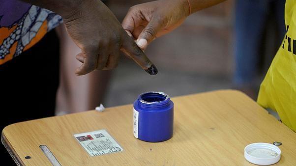 """Eleições em Moçambique """"sem incidentes graves"""""""