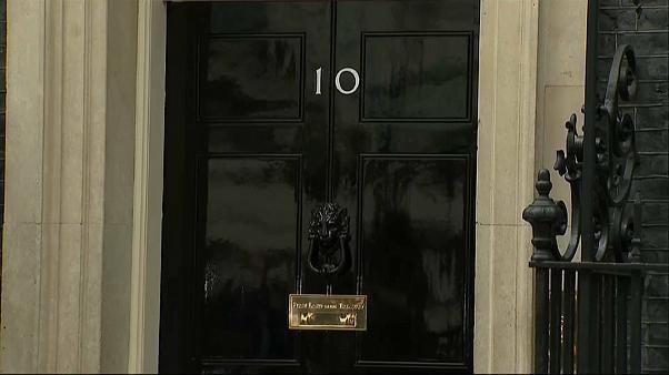Johnson oder Hunt: Wer zieht in die Downing Street Nr. 10 ein?