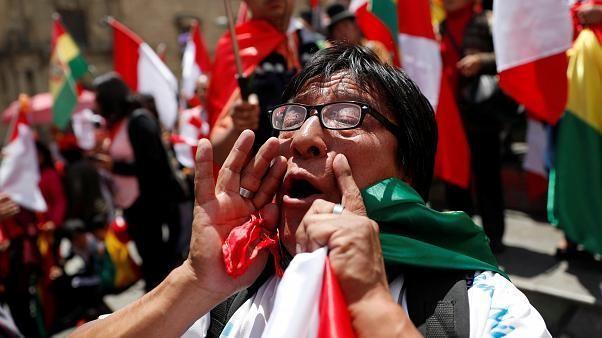 Le jour d'après en Bolivie, un mandat d'arrêt lancé contre Evo Morales