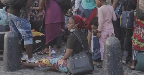 COVID-19: S.A police evict migrants in Cape Town   Africanews