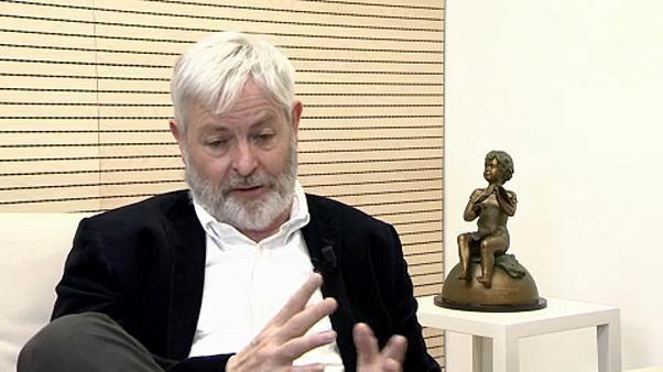The Brief from Brussels: Jonathan Coe erhält Europäischen Buchpreis