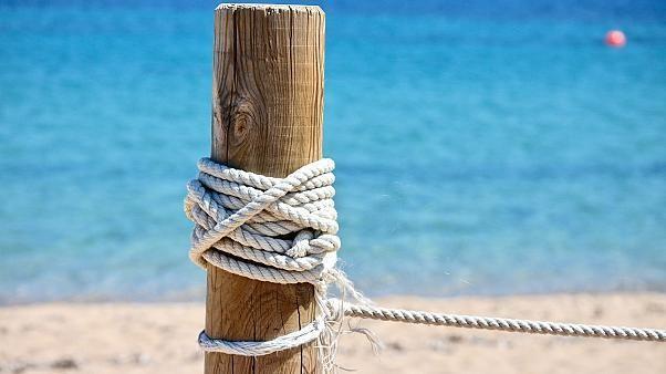40 kg Sand vom Strand: Touristen drohen 1 bis 6 Jahre Haft