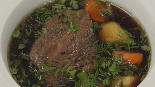 Rezept des Sternekochs Thierry Voisin: Rindfleisch-Eintopf mit Sojasauce