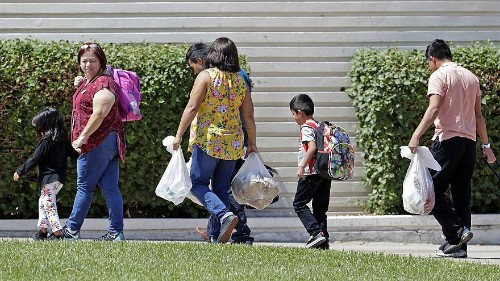 Some separated migrant children may never be tracked down, feds say