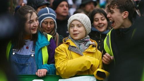 Klimademo in Bristol: Greta Thunberg marschiert voran