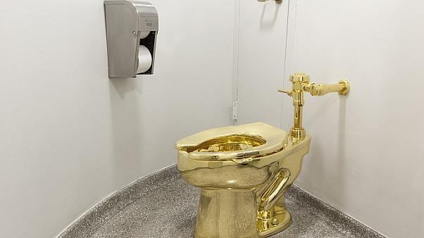Gold toilet offered to Trump stolen from Churchill's birthplace