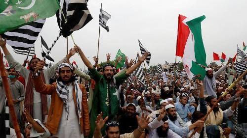 Manifestations au Pakistan : des milliers d'islamistes demandent la démission du Premier ministre