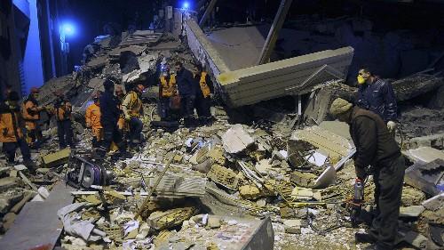 Au moins 21 morts dans un séisme en Turquie