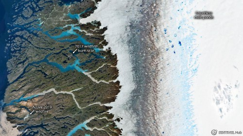 Five visuals to sum up Greenland's exceptional ice melting & wildfires