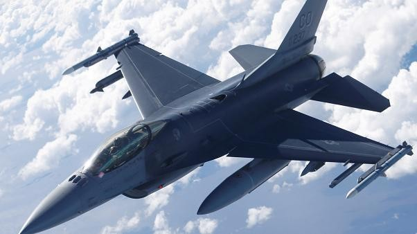 الخارجية الأمريكية توافق على صفقة بيع مقاتلات إف-16 إلى تايوان