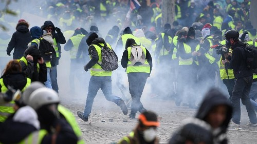 Macron to address France after another weekend of rioting