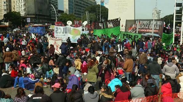Aumentan las protestas contra Macri
