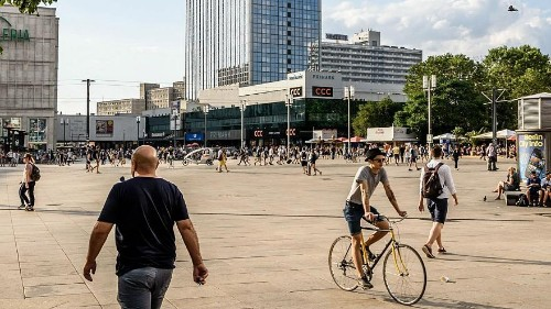 YouFeud: Fans of rival social media stars brawl in Berlin square