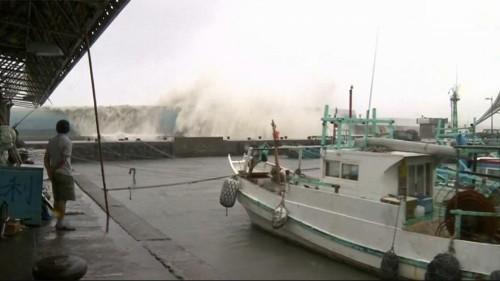 Super-Taifun Meranti trifft Taiwan mit fast 300 km/h