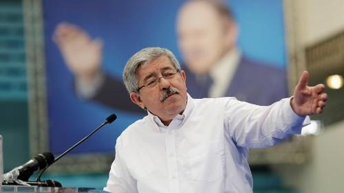 التلفزيون الجزائري: احتجاز رئيس الوزراء السابق في إطار تحقيق بشأن الفساد
