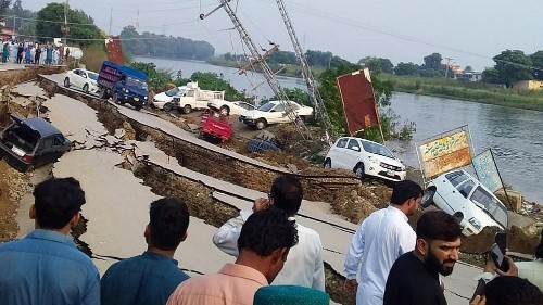 Earthquake of 5.8 magnitude in Pakistan leaves at least 22 dead