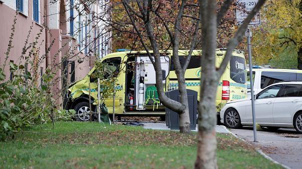 Amokfahrt mit gestohlenem Krankenwagen: 7 Verletzte