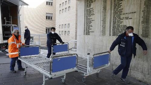 Covid-19 : deux décès en Italie, le nord du pays se barricade
