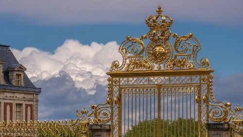 Over 600 guests attend a costume party at the Palace of Versailles
