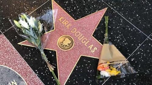 Kirk Douglas : les hommages à la légende du cinéma de l'âge d'or
