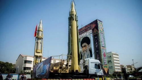 یک فرمانده سپاه: ایران قادر است موشک هایی با برد بیشتر تولید کند