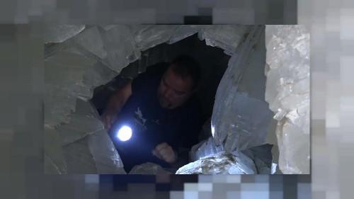 Une grotte espagnole claire comme du cristal