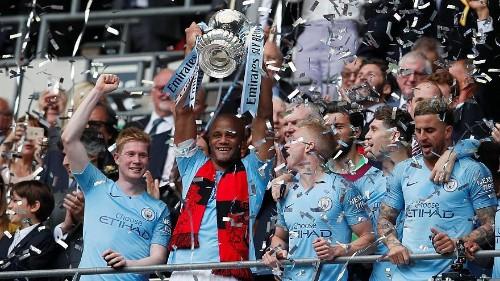 كومباني يعلن إنهاء مسيرته مع مانشستر سيتي بعد 11 عاماً بالنادي الإنكليزي