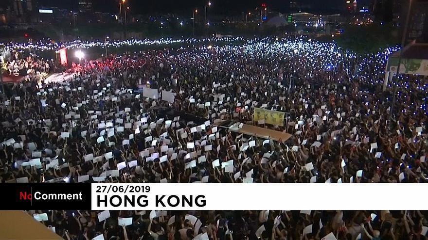 شاهد: آلاف المتظاهرين في هونغ كونغ يستنجدون بدول العشرين بسبب قمع الصين