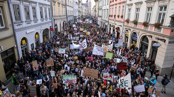 Hunderttausende gehen gegen den Klimawandel auf die Straße