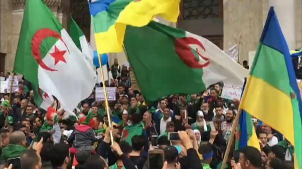 La mobilisation se poursuit en Algérie pour faire tomber le système