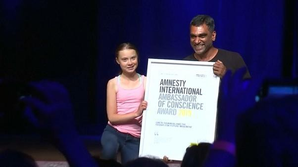 AMNESTY INTERNATIONAL ehrt Greta Thunberg (16) und Fridays for Future