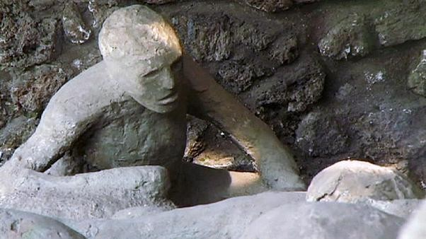 Pompeii opens restored homes to visitors