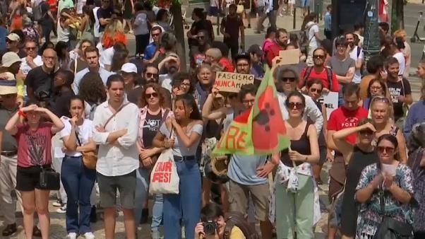 Lissabon: Aktivisten demonstrieren gegen Konferenz rechter Gruppen