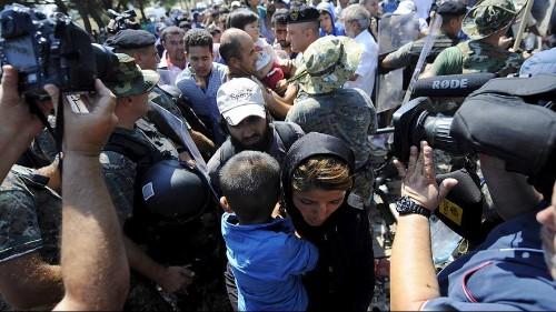 Weitere Flüchtlinge gelangen von Mazedonien nach Serbien