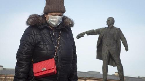 Viele sind in die Datscha - Putin verschärft Covid-19-Maßnahmen