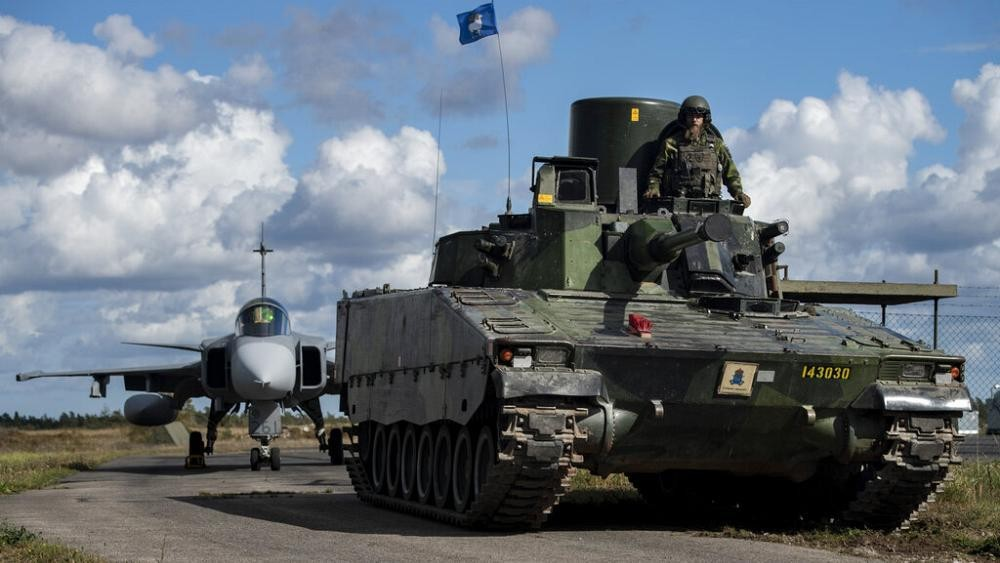 Swedish military build-up on Baltic island 'a signal to Russia'