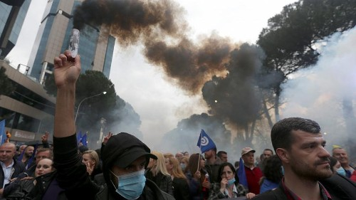 Újabb ellenzéki tüntetés Albániában