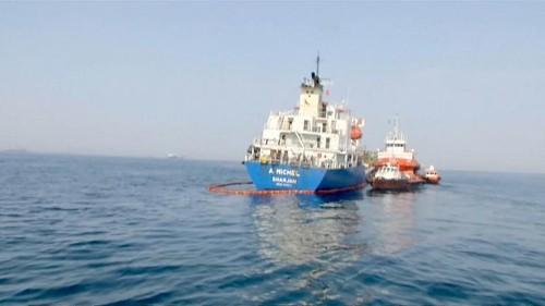 Нефть реагирует на мировые события