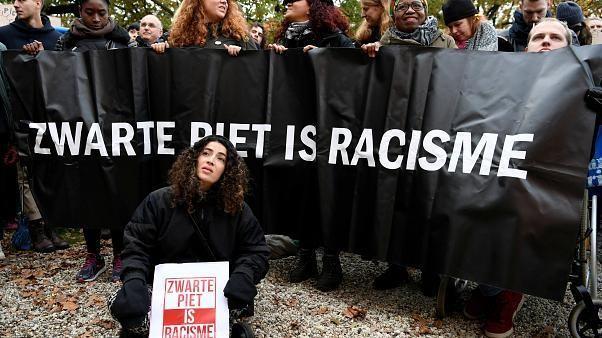 Il Natale si avvicina e si riaccende la polemica di Zwarte Piet, il servo nero