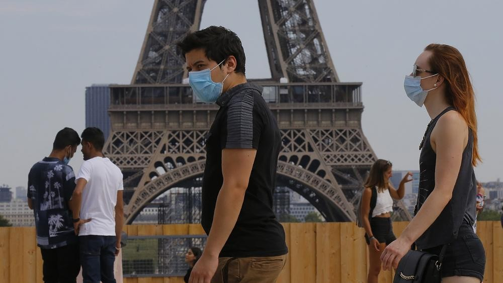France: Masks become mandatory in certain areas of Paris