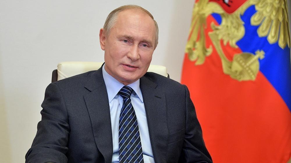 Alexei Navalny: Russian president Vladimir Putin 'intervened' to allow critic's move to Germany