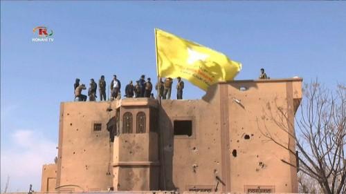 Celebrata la sconfitta dello Stato islamico nel sud-est della Siria