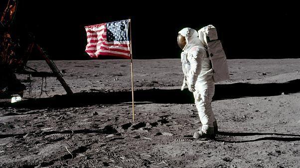 """أبولو 11: لمحة بالفيديو عن مشروع كينيدي الذي """"كسر شوكة"""" التفوق السوفياتي"""